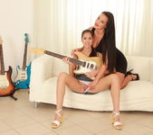 Carmen Croft, Paula Shy - Guitar Lessons - Viv Thomas 2
