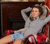 Lucy G - Rocking Chair - Stunning 18 2