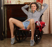 Lucy G - Rocking Chair - Stunning 18 3