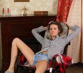 Lucy G - Rocking Chair - Stunning 18 4
