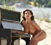 Play Me - Susi R. - Femjoy 3
