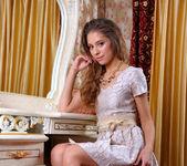 Cassandra - Bedchamber - Stunning 18 4