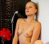Cipriana A, Jo - The Shower - Viv Thomas 9