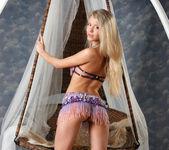 Barbara D - Cradle - Stunning 18 5