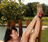Samantha Bentley - Viv Thomas 8