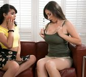 Jelena Jensen, Gina Valentina - The Bee Sting - Girlsway 3