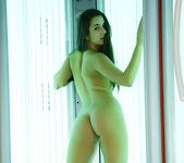 Ennie - Peep Show 2 - Erotic Beauty 5