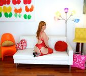 Lauren Phillips - Curvy Redhead's Butthole Tricks 12