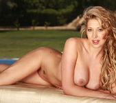 Lexi Lowe - Viv Thomas 16