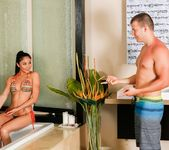 Ariana Marie, Codey Steele - Stepsister Massage 3
