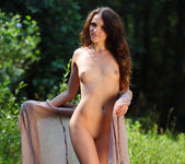 Dorothy - Outdoors - Stunning 18 6