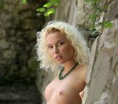 Liza I - The Stone Wall 2 - Erotic Beauty 15