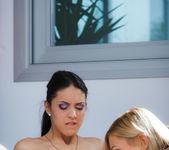 Carolina Abril, Tracy Lindsay - Emotion - Viv Thomas 5