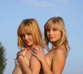 Kira E, Lenda - Presenting Lenda & Kira E 1 - Erotic Beauty 16