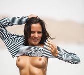 Saylor - Waterside 1 - Erotic Beauty 3