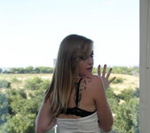 Mandy Roe - Ripped Jeans - SpunkyAngels 3