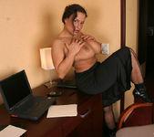 Aneta Secretary - Aneta Buena 6