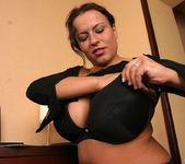 Aneta Secretary - Aneta Buena 7