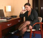 Aneta Secretary - Aneta Buena 8