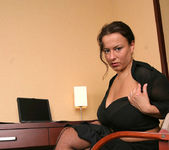Aneta Secretary - Aneta Buena 16
