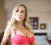 Julia Ann, Brandi Love - Bombshell Milfs 20