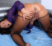 Nasty Valentina gives herself a pee enema - Wet and Pissy 4