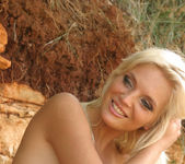 Ines Pink Beach - Ines Cudna 9