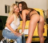 Cameron Dee, Olivia Wilder - Hard Working Lesbians 7