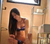 Leyla Morgan - Bathroom Peep Show - Girlfolio 4
