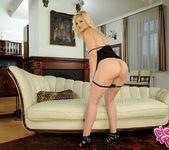 Ionella Dantes - Flexy Pussy 3