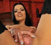 Shalina Divine - Flexy Pussy 8