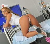 Nikky Thorne - Flexy Pussy 4