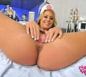 Nikky Thorne - Flexy Pussy 9