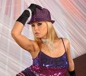 Dorothy Black - Flexy Pussy 2