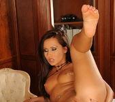 Sandra - Flexy Pussy 15