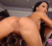 Christina Bella - Flexy Pussy 11