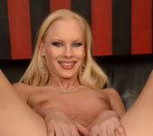 Gitta Blond - Flexy Pussy 7