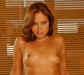 Szilvia Lauren - Flexy Pussy 4
