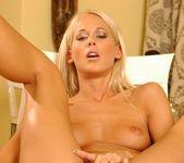 Dorina - Flexy Pussy 16