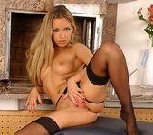 Jennyfer Reed - Flexy Pussy 11