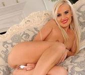 Bea Stiel - Footsie Babes 20