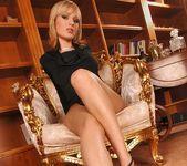 Bianca Golden - Footsie Babes 3
