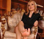 Bianca Golden - Footsie Babes 5