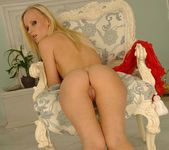 Gitta Blond - Footsie Babes 12