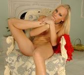 Gitta Blond - Footsie Babes 18