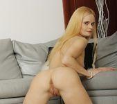 Ann Marie - GapeLand 9