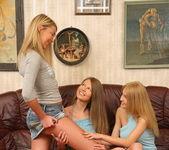 Horny Lesbians Kelly, Vanilla & Pandora - Lez Cuties 2