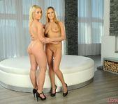 Mariah & Yvette Lez Action - Lezbo Honeys 4