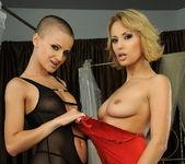 Horny Lesbians Regina Ice & Sinead - Lezbo Honeys 2