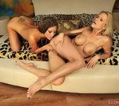 Dirty Lesbians Wivien & Natalia Forrest - Lezbo Honeys 11